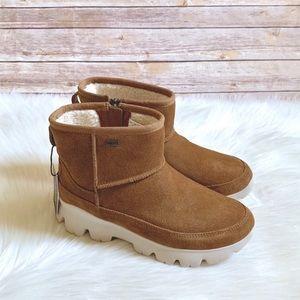 UGG Chestnut Palomar Waterproof Sneaker Boot